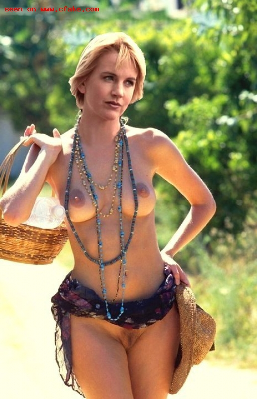 Renee o'connor nude in xena