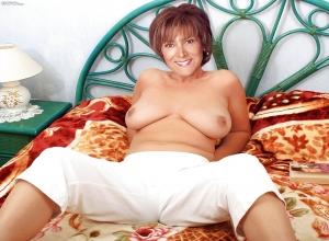 Nackt  Lynda Bellingham Lynda bellingham